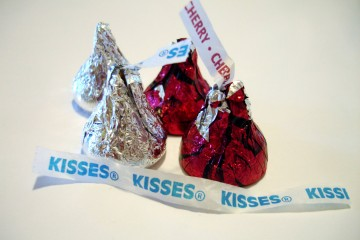 Hershey's_Kisses_and_Cherry_Cordial_Creme_Kisses