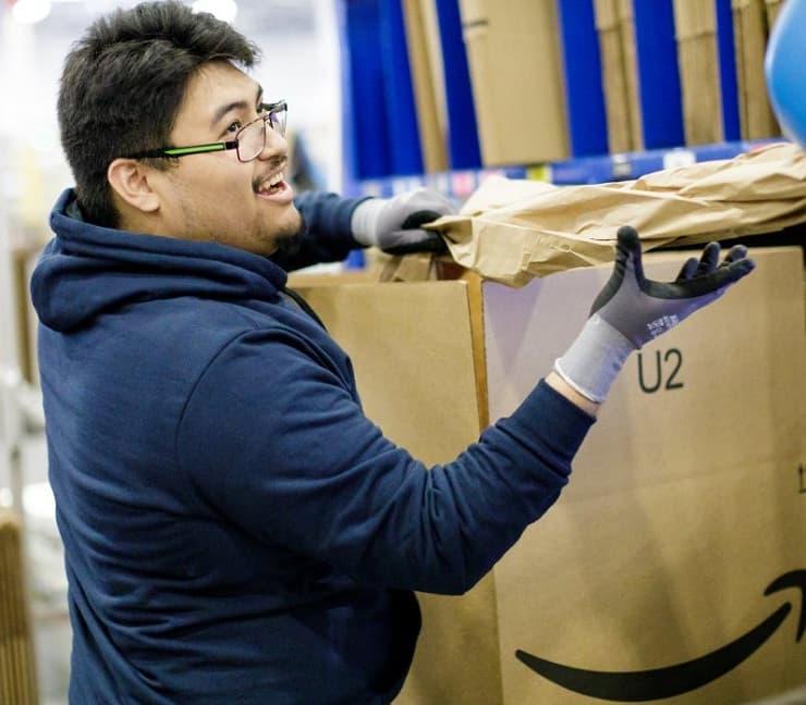 Amazon wage $15
