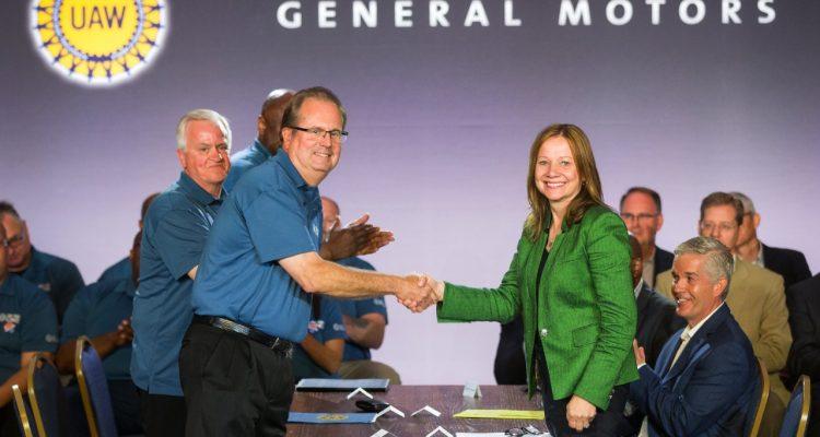 UAW-GM Handshake Opens Contract Negotiations