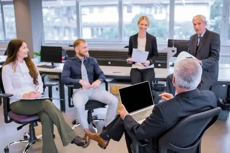 motivate employee and manage senior employees